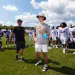 Breaking Down Vikings Huddle Helps Young Fan Break...