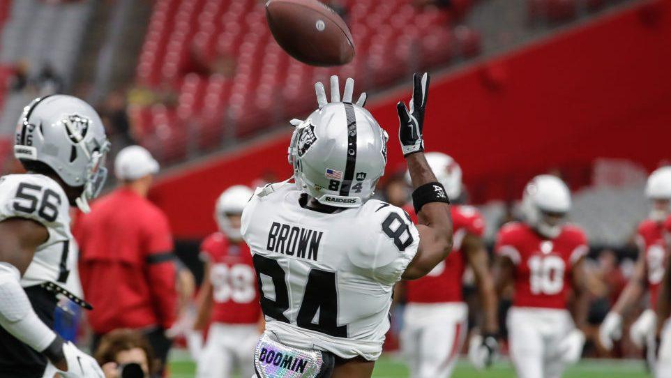Teammates say they accept Antonio Brown's apology...